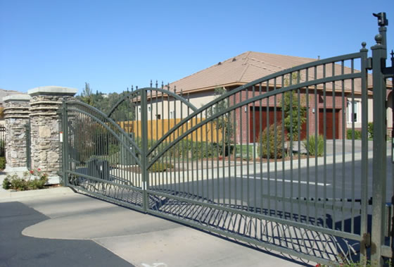 Hang Fence Gate « Wonder How To